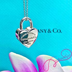 NWOT T&Co. Return To Tiffany Heart Padlock Pendant